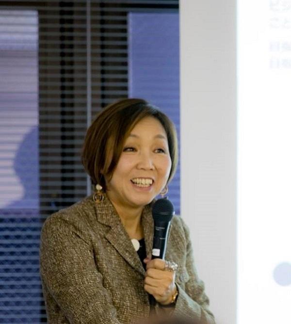 ICA関西クリスマスセミナーに登壇中の松本佳津先生