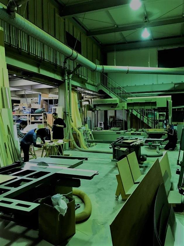 高砂ショウハウスクリエイティ部クリスマスオーナメント作りの会場スギタニ木工さん