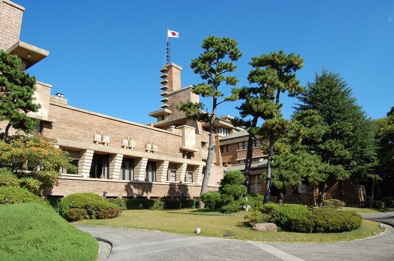 武庫川女子大学甲子園会館