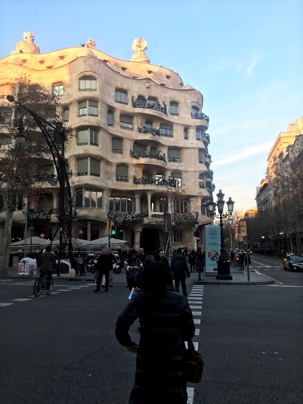 バルセロナ カサ・ミラ